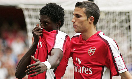 PICTURES: More Badge-Kissing… Now Arsenal's Adebayor