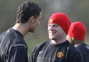 PICTURES: Wayne Rooney Always A Happy Chappy In Training