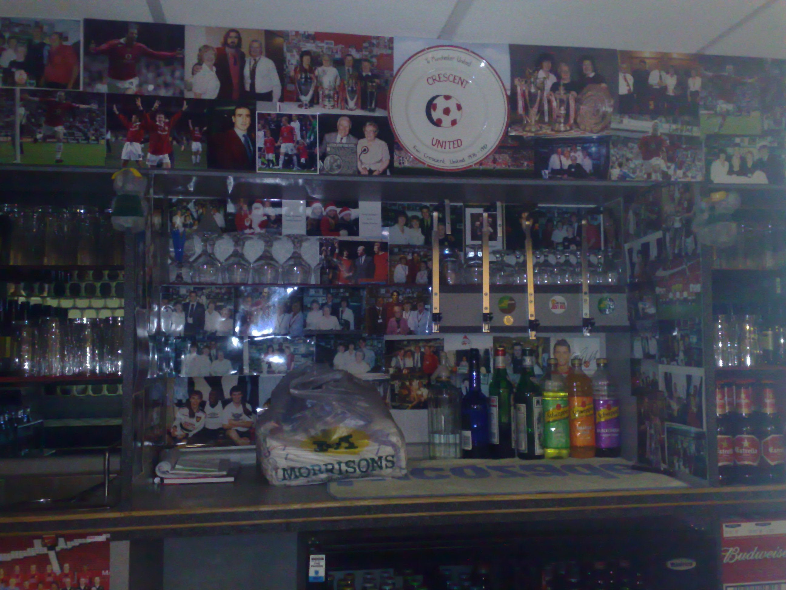 PICTURES: Manchester United Players' Lounge Bar At OT