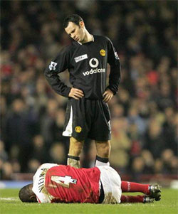 Ryan Giggs With Crying Patrick Vieira