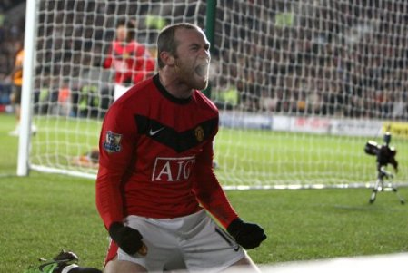 POLL: Should Fergie Rest Rooney?