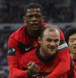 Fergie: Evra And Rooney To Take Over From Nev, Giggs and Scholes