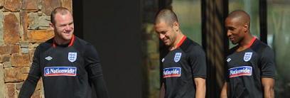 PICTURE: Rooney and Defoe Convincing Chelsea Boy
