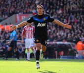 STATS: Chicharito Compared To Drogba, Rooney, Tevez, Malouda and Berbatov