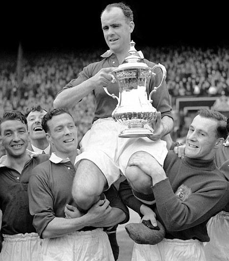 Blackpool, Stanley Matthews and United's 'dwarf of football magic'