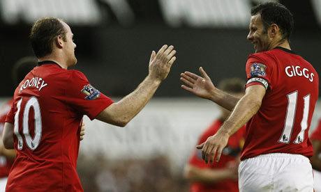 Rooney: Give Giggsy A Statue