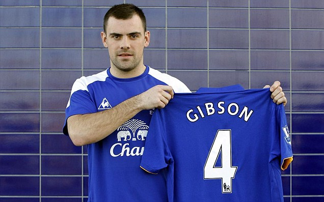 PICTURE: Gibson In Everton Shirt
