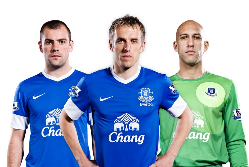PICTURE: Former United 3 Model Everton Kit