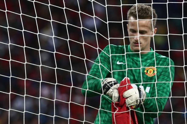 Lindegaard Signs New Contract
