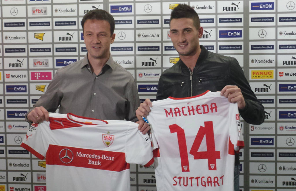 PICTURE: Macheda Unveiled At Stuttgart