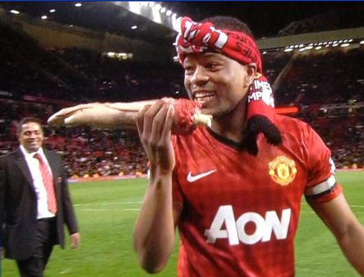 PICTURE: Evra takes the mick out of Suarez