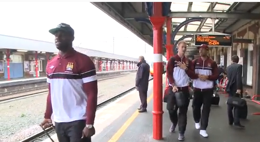 WTF! Man Citys Micah Richards sings United's Carrick song on the way to FA Cup semi final