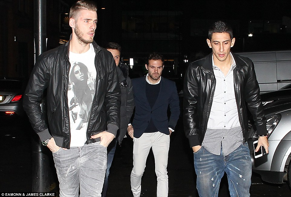 PICTURES: United's second Christmas night out
