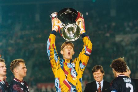 Resultado de imagen para van der sar ajax champions league 1995