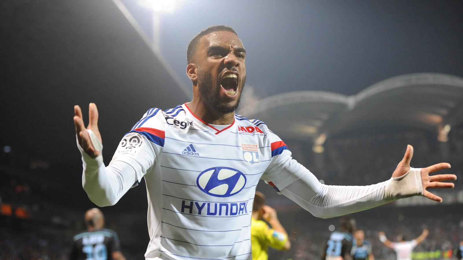 French media reckon Lacazette wants United move