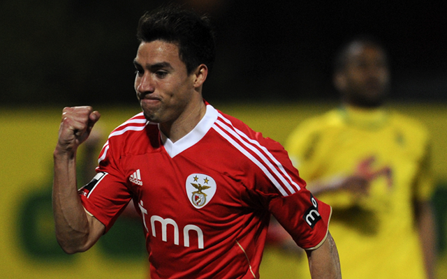 Gaitan's agent: We are in talks with Manchester United