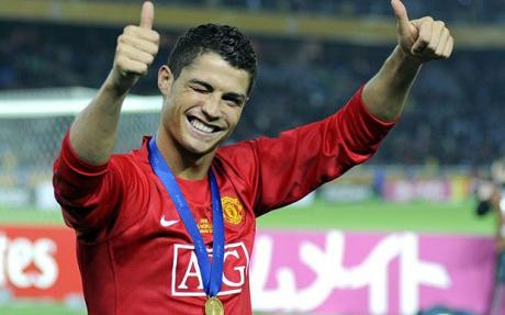 "Ronaldo ""in love"" with United fans"