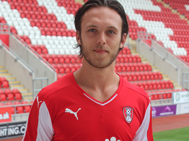 Tom Thorpe joins Rotherham on a free transfer