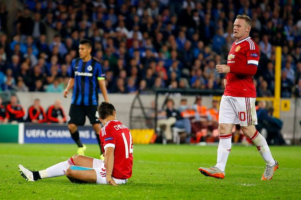 LvG: Rooney is a real captain for giving Chicharito the penalty
