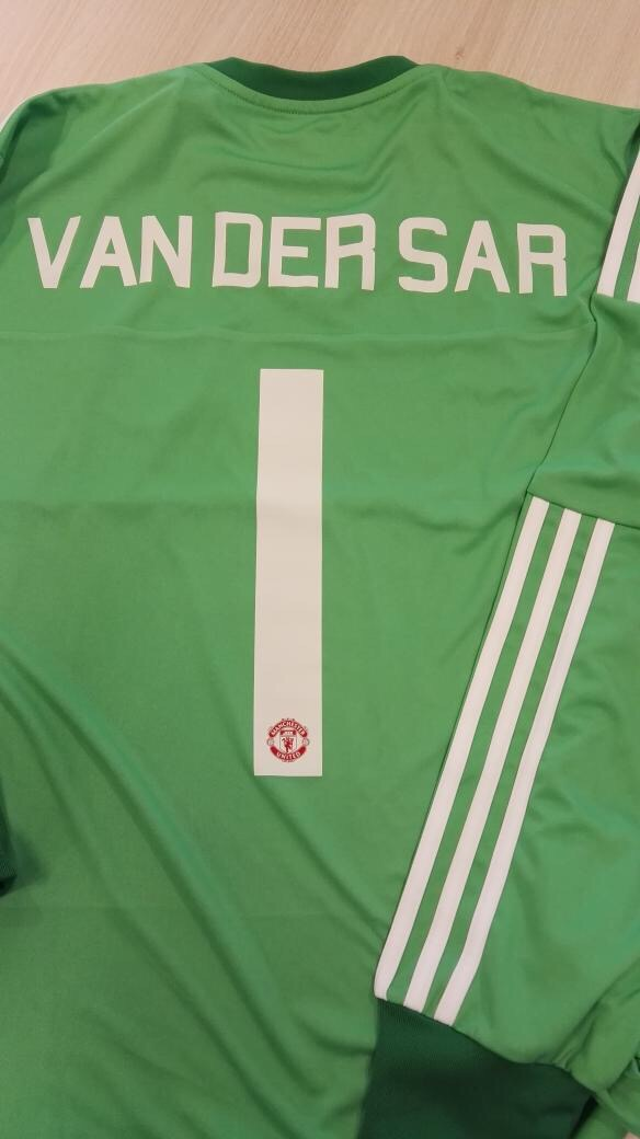 PICTURE: Adidas send Van see Sar new goalie shirt