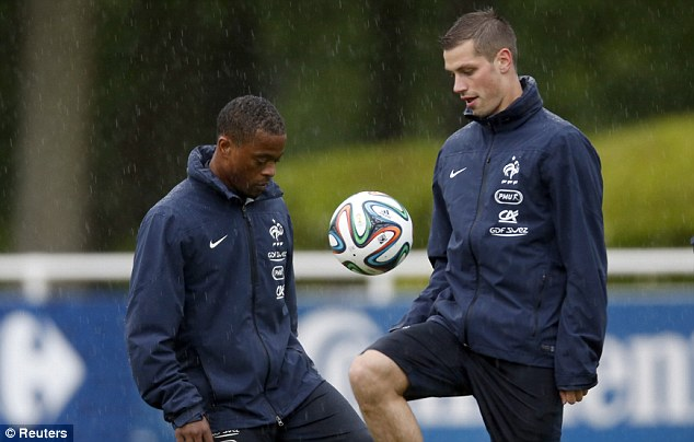 Schneiderlin: Evra is a United idol