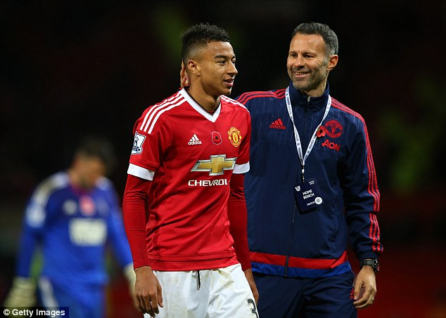 Lingard: Giggs gives great advice to the youngsters