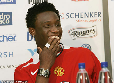 Did John Obi Mikel miss the two penalties United should have had?