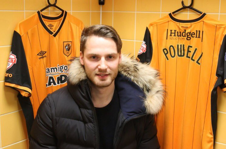 PICTURE: Powell signs for Hull on loan