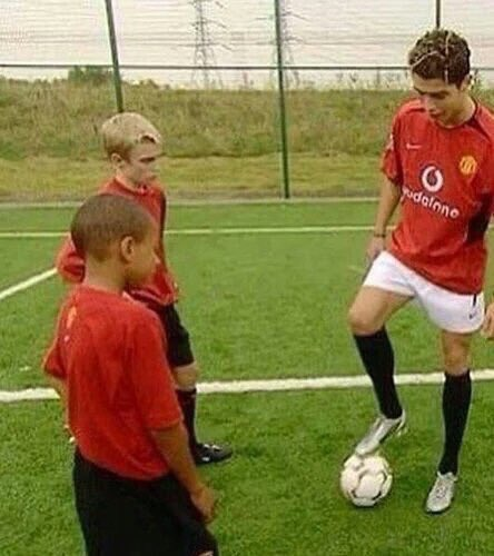PICTURE: Who taught Lingard how to finish like that?