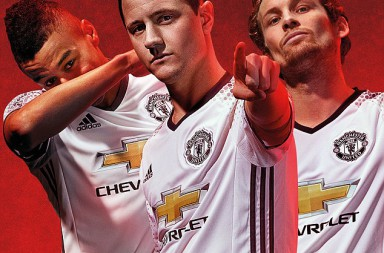 36B0AF7A00000578-3714069-United_have_returned_to_a_simple_white_design_with_black_trim_as-a-46_1469775102728