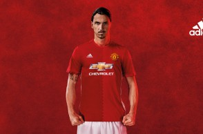 zlatan-ibrahimovic-manchester-united-adidas-2016-17-home-kit_3749816