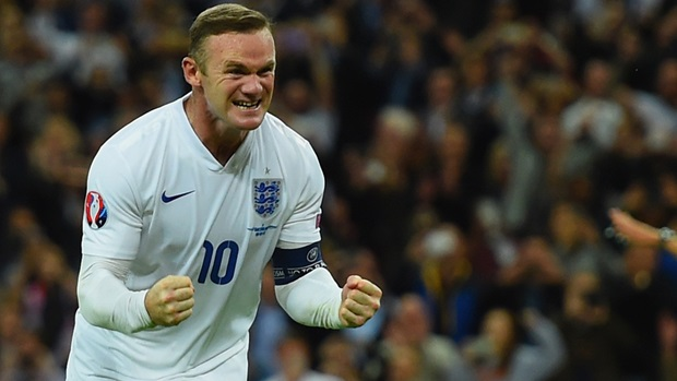 Rooney to keep England captaincy