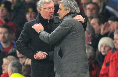 Bildnummer: 12959187  Datum: 05.03.2013  Copyright: imago/Sportimage Jose Mourinho manager of Real Madrid shakes the hand of Sir Alex Ferguson manager of Manchester United and leaves the pitch minutes before the end - UEFA CHAMPIONS LEAGUE - ROUND OF 16 - Manchester Utd vs Real Madrid - Old Trafford Stadium - Manchester - 05/03/13 - Picture Simon Bellis/Sportimage- PUBLICATIONxNOTxINxUK ; Fussball Champions League 2012 Achtelfinale Manchester United FC ManU Real Madrid xdp x0x 2013 hoch 2013 football Manchester Utd Real Madrid UEFA UCL Champions League   Image number 12959187 date 05 03 2013 Copyright imago  Jose Mourinho Manager of Real Madrid Shakes The Hand of Sir Alex Ferguson Manager of Manchester United and leaves The Pitch Minutes Before The End UEFA Champions League Round of 16 Manchester Utd vs Real Madrid Old Trafford Stage Manchester 05 03 13 Picture Simon Bellis  PUBLICATIONxNOTxINxUK Football Champions League 2012 Eighth finals Manchester United FC ManU Real Madrid  x0x 2013 vertical 2013 Football Manchester Utd Real Madrid UEFA UCL Champions League