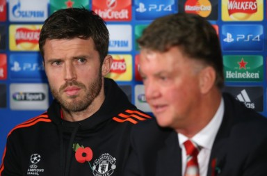 michael-carrick-louis-van-gaal