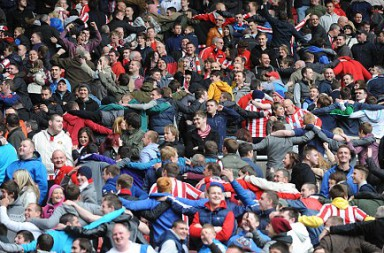 SPT_GCK_130512_Barclays Premier League. Sunderland v Manchester United. Sunderland fans at the end