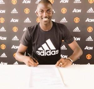 Aliou Traoré signs a four-year deal at Man United.