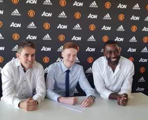 Jacob Carney signs an academy deal at United.