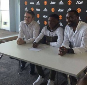 Largie Ramazani puts pen to paper at United.