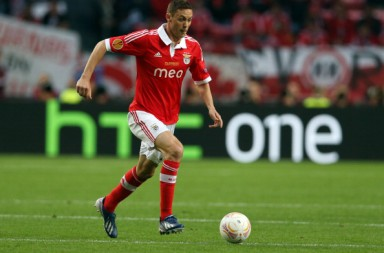 AMSTERDAM, NETHERLANDS - MAY 15:  Nemanja Matic of SL Benfica in action during the Europa League Final match between Chelsea and SL Benfica at The Amsterdam Arena on May 15, 2013 in Amsterdam, Netherlands.  (Photo by Ian MacNicol/Getty Images)