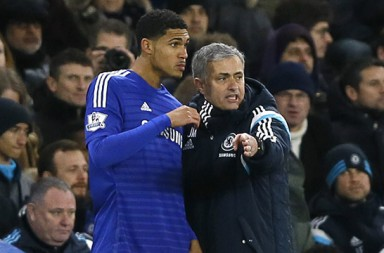Chelsea's manager Jose Mourinho directs Ruben Loftus Cheek before he comes on as a substitute during the English Premier League soccer match between Chelsea and Manchester City at Stamford Bridge stadium in London, Saturday, Jan. 31, 2015. (AP Photo/Kirsty Wigglesworth)