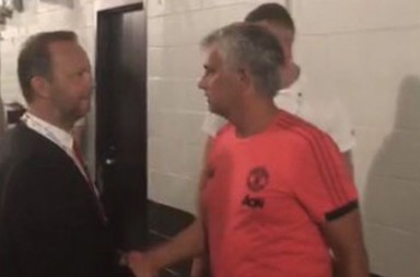 0_Ed-Woodward-and-Jose-Mourinho-talking-after-Man-Uniteds-win-in-Miami