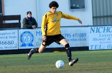chris-smalling-maidstone-united-east-thurrock-united_3372499