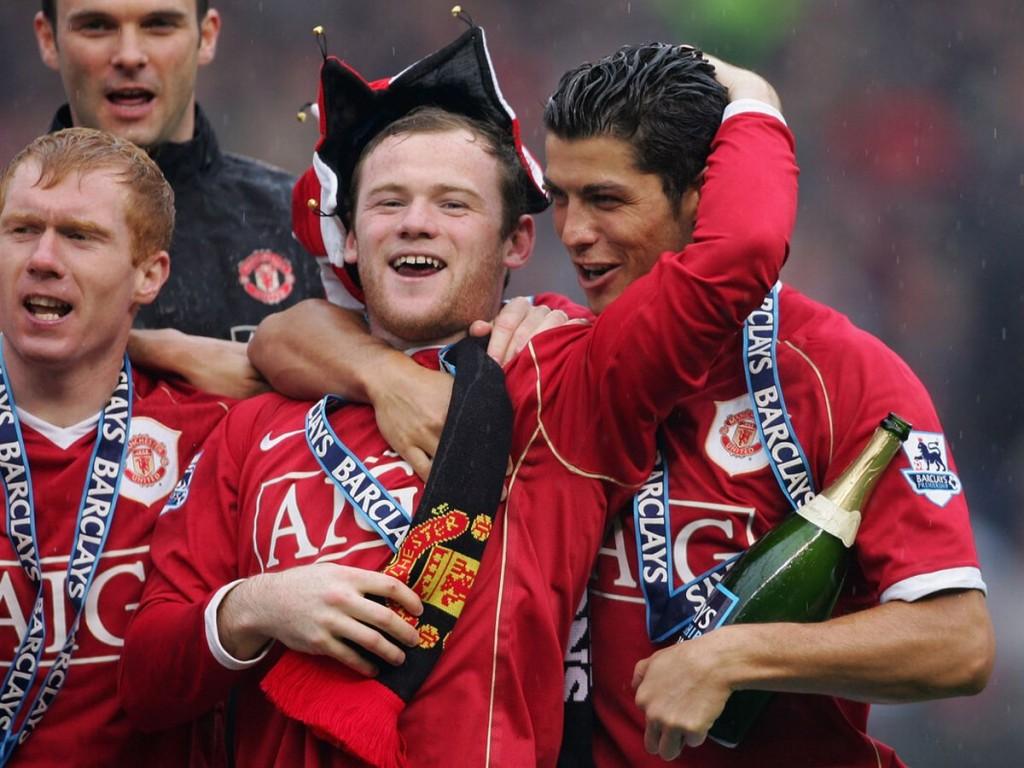 Wayne-Rooney-and-Cristiano-Ronaldo-celebrate-winning-the-2006-2007-Premier-League