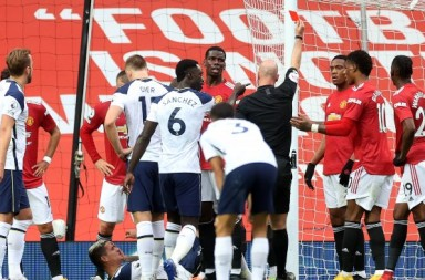 Anthony-Martial-red-card-Manchester-United